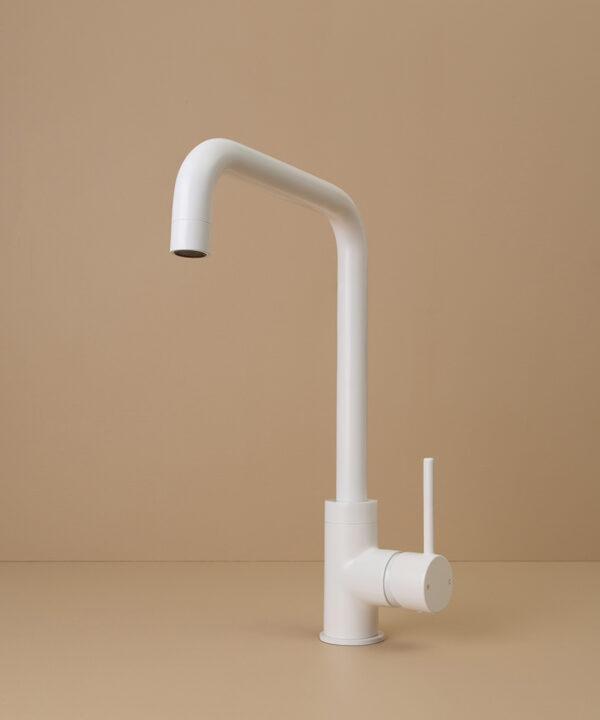 white kintampo tap